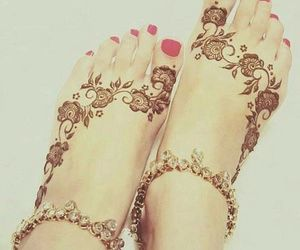 beautiful mehndi by dua_mughal7 on We Heart It