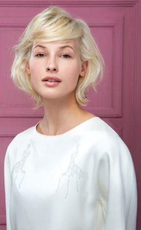 Ultime tendenze capelli: biondo cenere o biondo miele? I consigli di compagnia della bellezza