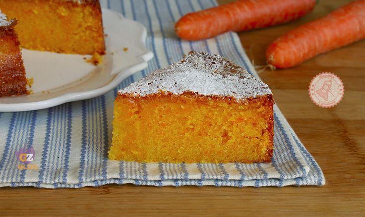 La torta veneziana, una ricetta di Nigella Lawson, una torta di carote facile e veloce, senza glutine, umida e facilissima da preparare.