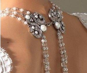 Ideias...com...Amor: Elegant Back Necklace