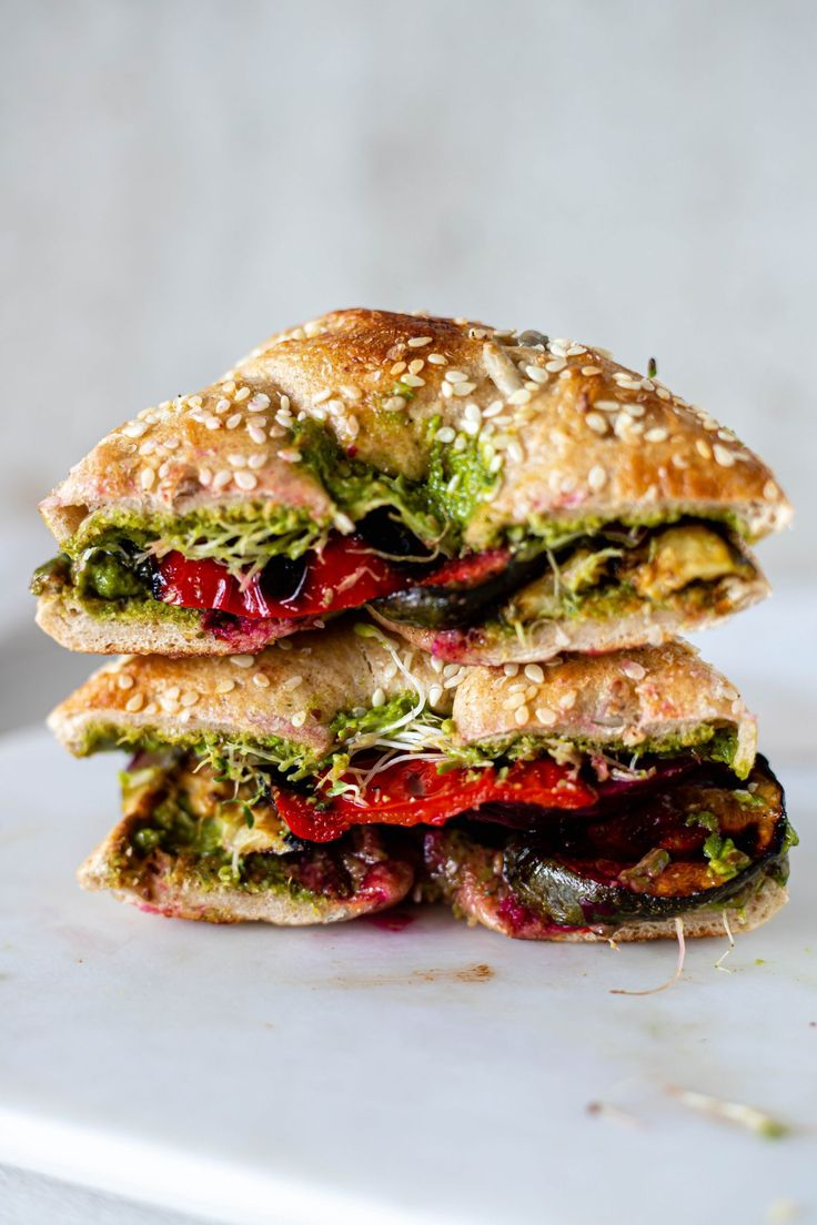 Vegan Zucchini Recipes, Vegan Pesto, Grilled Zucchini, Vegetarian Recipes, Healthy Recipes, Vegan Food, Healthy Meals, Healthy Food, Yummy Food