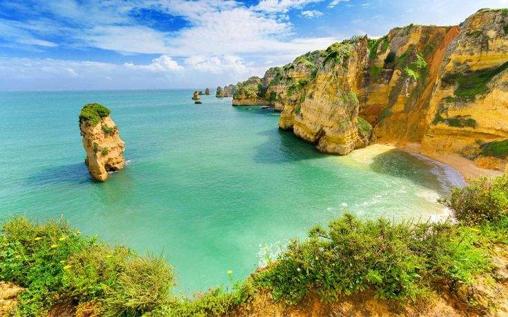 Read our insider's guide to Algarve, as recommended by Telegraph Travel. Find expert advice and great pictures of top hotels, restaurants, bars and things to do.
