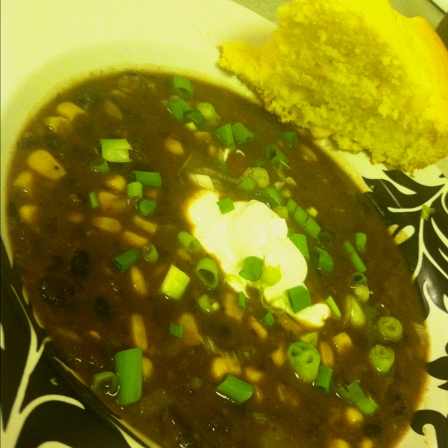 Black bean and salsa soup | yes please | Pinterest