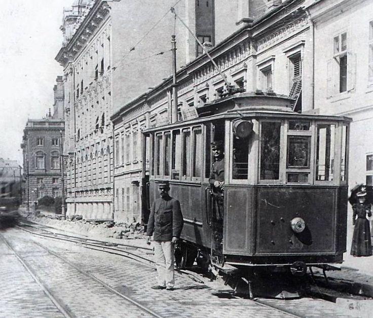 FOTO: Hromadná doprava v hlavnom meste cez historický objektív