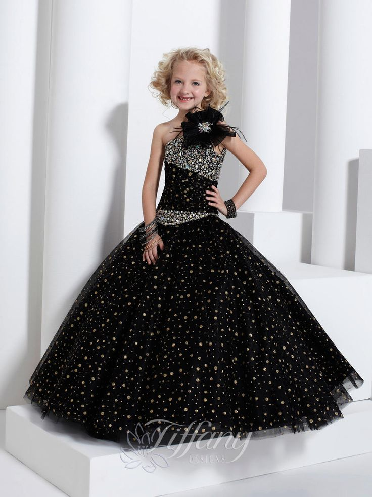 551 best party dresses images on Pinterest | Cute dresses, Grad ...