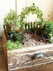 miniature fairy garden-so cute!