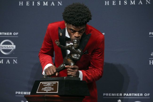 College Football 2017: Five Heisman Dark Horses, Picks, Odds, Preview, Prediction