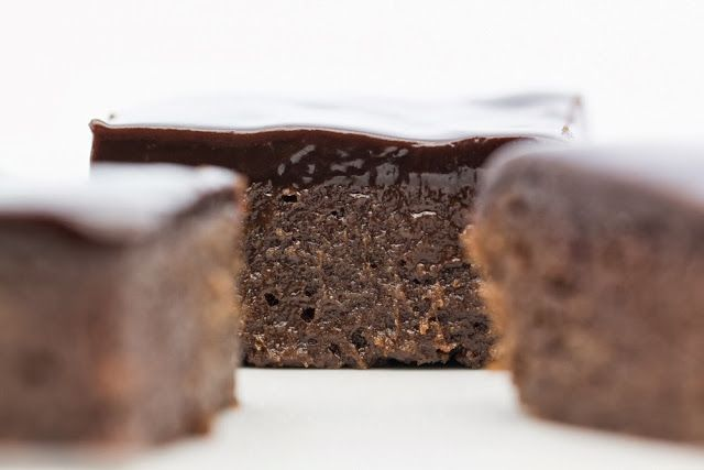 Hovkonditorn: Licorice Brownies with Licorice Chocolate Fudge Frosting