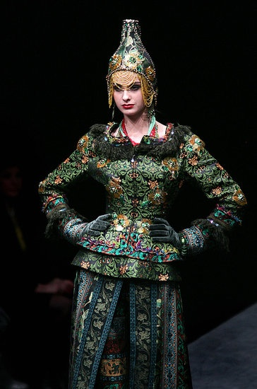 Slava Zaitsev Fall 2009. - Something very appealing with this, frankly, quite horrible combination