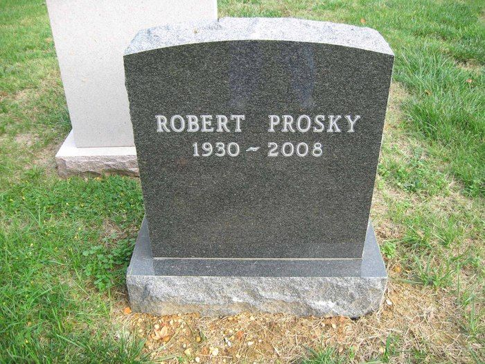"""Robert Prosky (1930 - 2008) He appeared in many roles in movies and on TV, including the TV series """"Hill Street Blues"""" and """"Veronica's Closet"""" and the movies """"Broadcast News"""", """"The Natural"""" and """"Far and Away"""""""