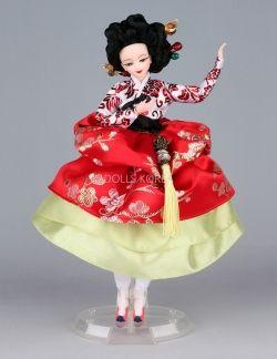 Hwang Jin Yi 한복 Hanbok doll