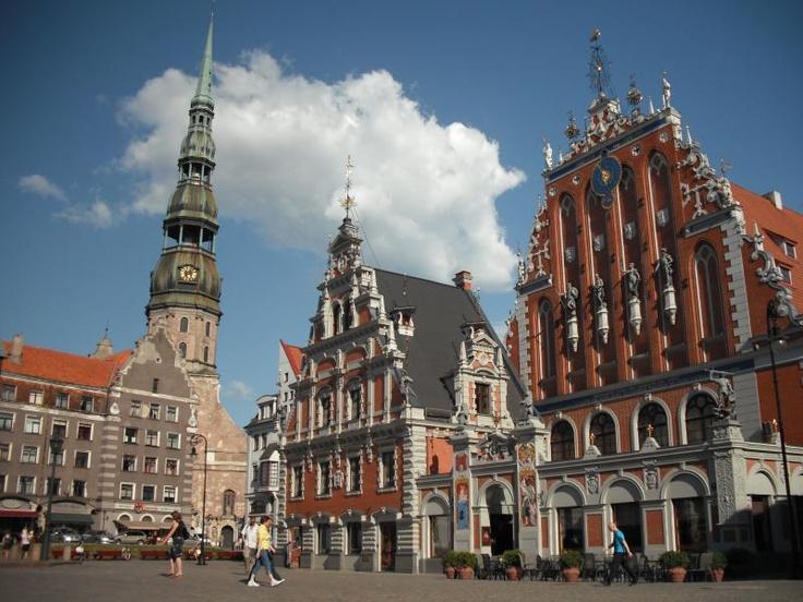 ユーラシア旅行社で行くバルト三国 ラトビアのツアー リガの旧市街を散策します