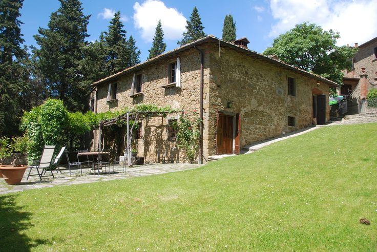 La Commenda - Radda in Chianti - Siena  http://www.salogivillas.com/en/villa/la-commenda-7DFF