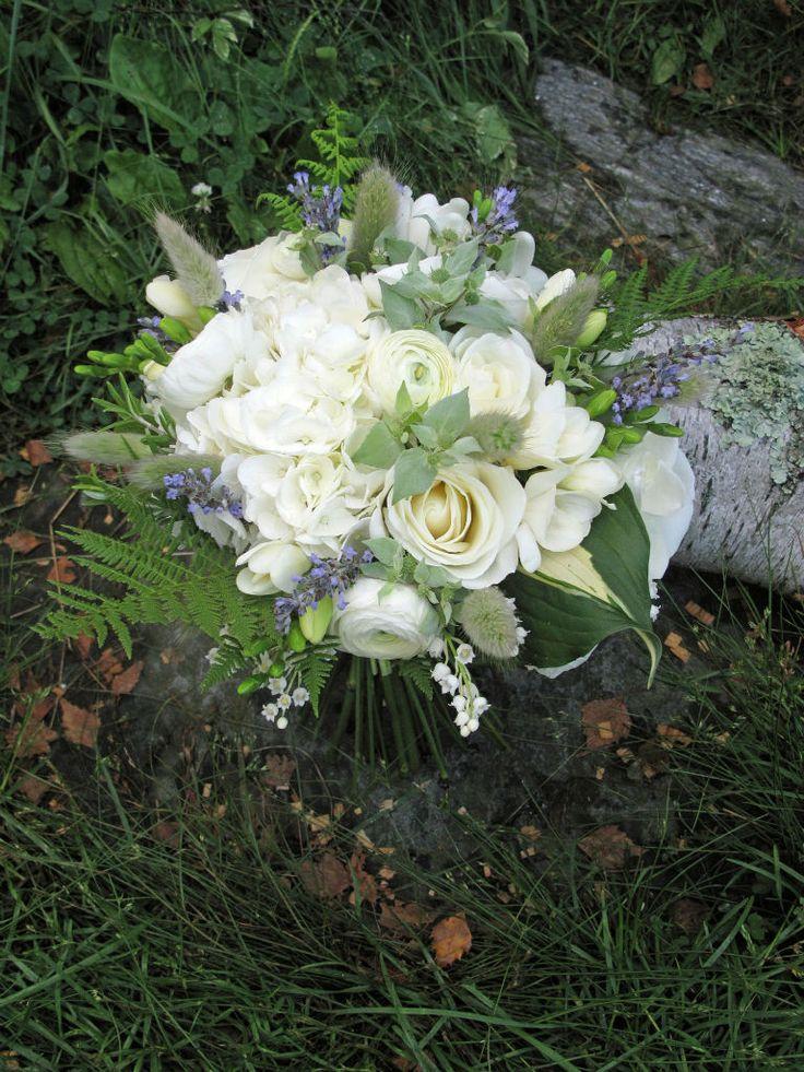 350 best vermont wedding flowers images on pinterest wedding bouquets vermont and blue. Black Bedroom Furniture Sets. Home Design Ideas