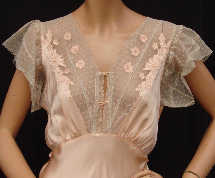1940's nightgown - Lingerie, Sleepwear & Loungewear - http://amzn.to/2ieOApL