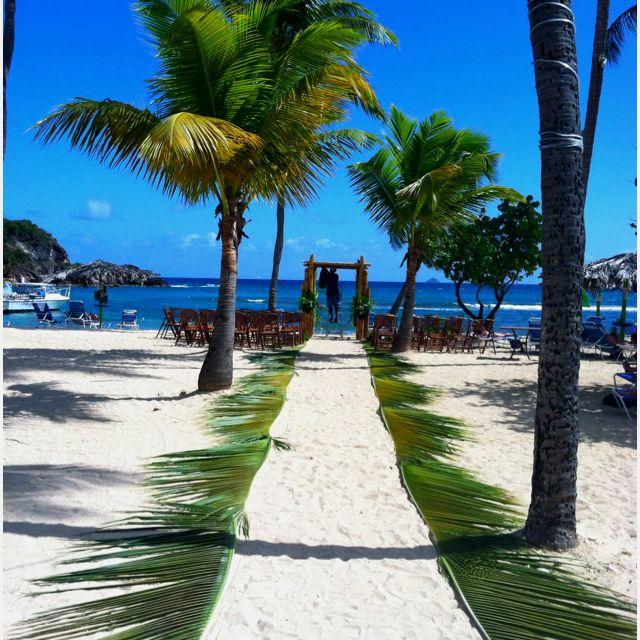 We love this beach wedding idea – make your aisle using palm leaves via @USVITourism  #Caribbean #pinterest