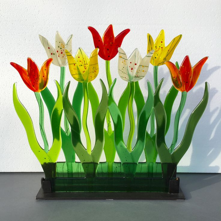 Tulpanrabatt, Caroline Hertz Glasfusing