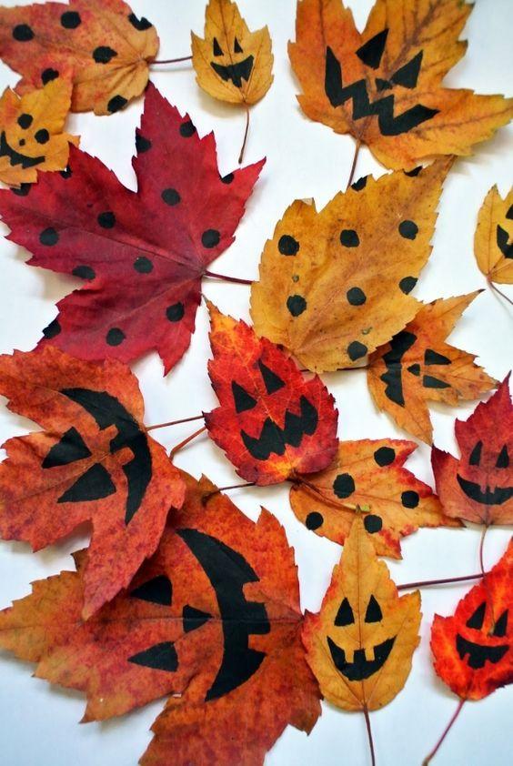 Verzamel herfstbladen en verf er een eng gezicht op!