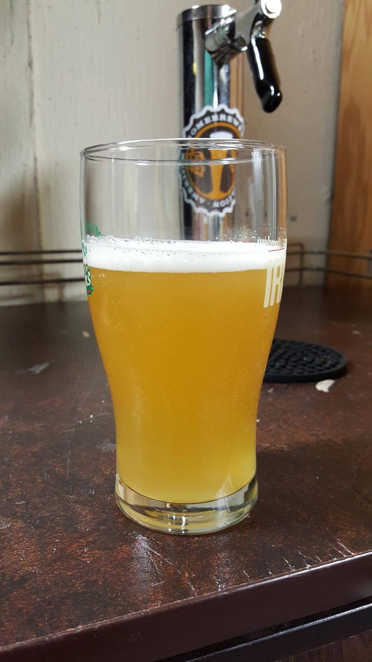 Celebrating national Homebrew day with my Brett IPA dry hopped with Azacca and Eldorado! RDWHAHB #FavoriteBeers #summershandy #beers #footy #greatnight #beer #friends #craftbeer #sun #cheers #beach #BBQ