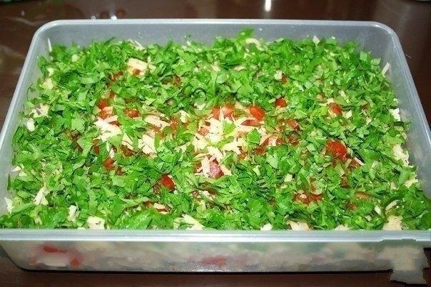 Название такое! Но он действительно очень вкусный!Ну очень вкусный салат с отварным мясом, овощами, сыром и майонезом. Сытный и какой-то особенный,сбалансированный по вкусу.  И на ужин можно подать,…