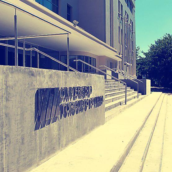 Así nos da la bienvenida nuestro Campus.