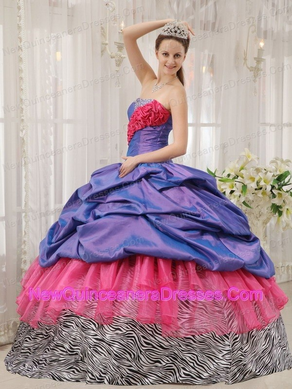 17 Best images about Quinceanera on Pinterest | Beading, Flower ...