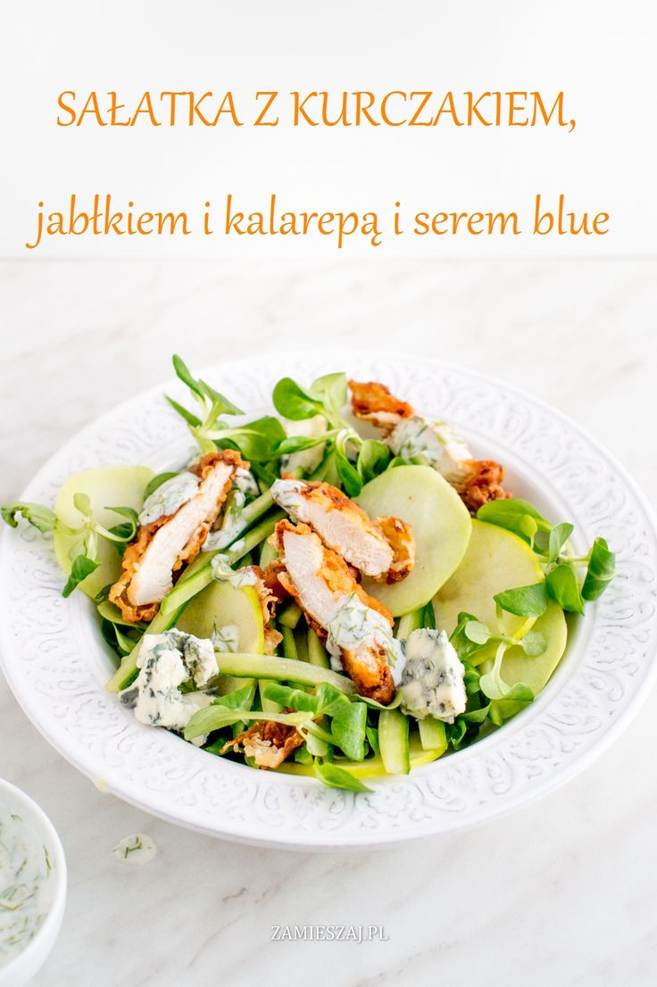 Salad with chicken, apple and kohlrabi