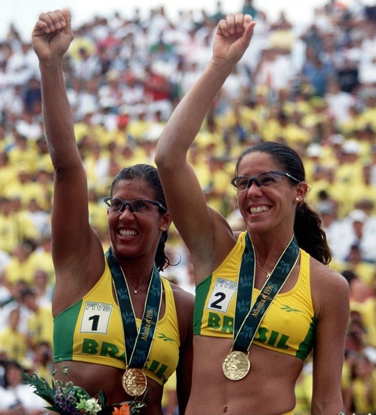 Sandra e Jackeline foram as primeiras brasileiras a conquistar um ouro olímpico em Atlanta-1996 ( volei de praia)