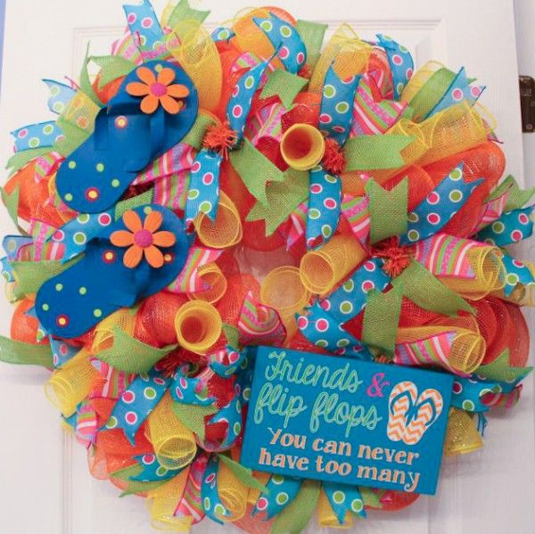 Summer flip flop wreath tutorial