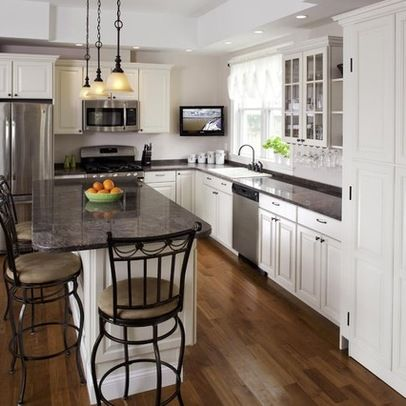 Ideal soffit shape island pantry on right L Form K cheL f rmige