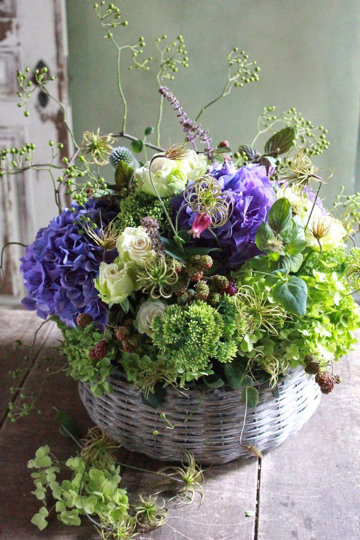 hydrangea, clematis seed pods, wild rose hips, blackberry stems