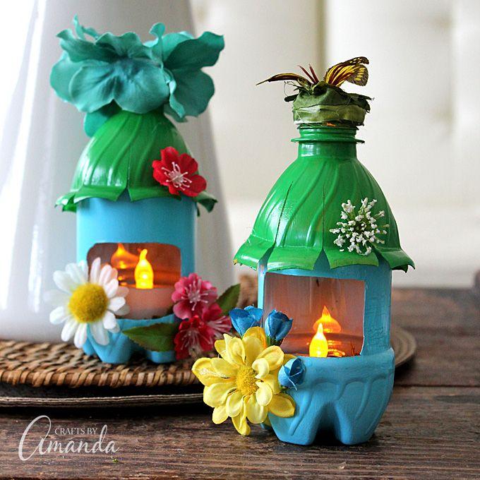 Girar las botellas de agua de plástico vacías en casas de hadas adorables que también sirven como luces de la noche!  Diversión para la habitación de un niño o de un vivero, o incluso el jardín.