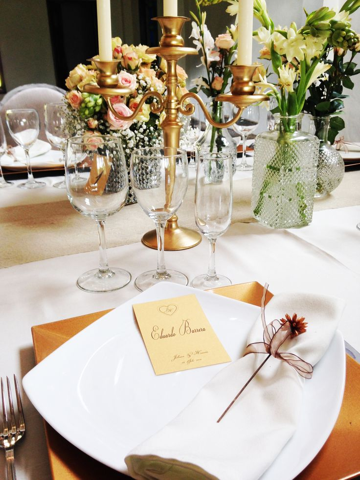 Muchos detalles en las mesas, hermoso!