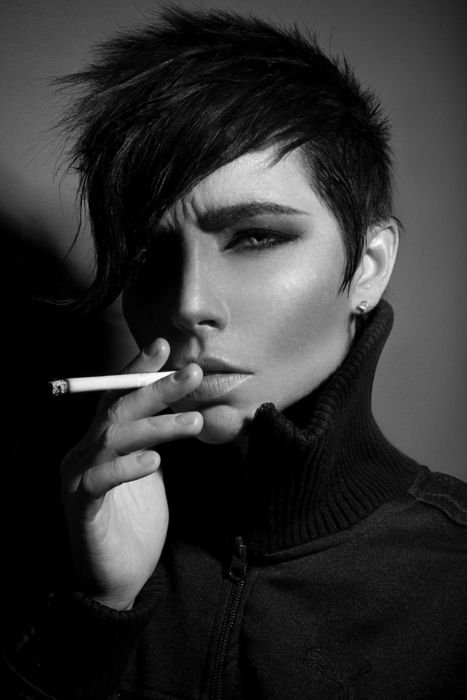so PRETTY! lovely androgyny...this could EASILY be Harry LLOYD ( at least it is in my mind)