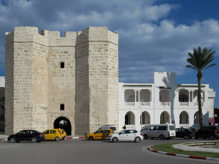 The Skifa el Kahla (left) and Musée de Mahdia (right) face Place du 7 novembre at the entrance to the medina in Mahdia, Tunisia.