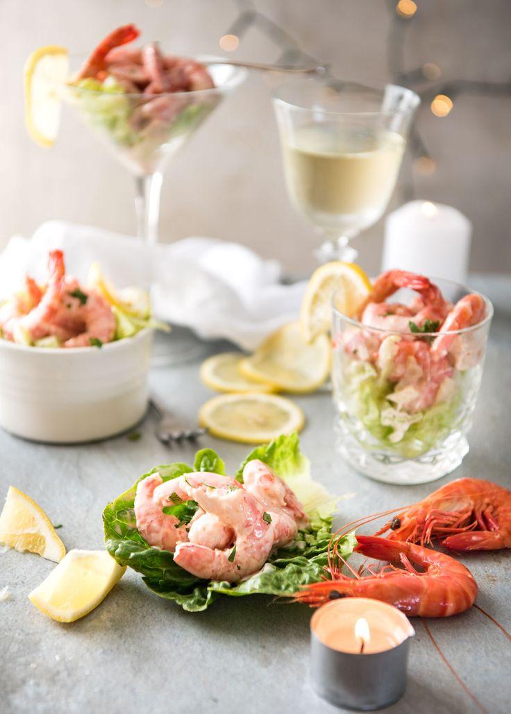 とても簡単にできる プローンカクテル は飾り付け次第で豪華に見えてパーティーの前菜にピッタリです。