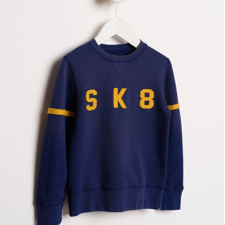 Stoere Bellerose jongesn Sweater! Skate waardig. http://stoerkids.nl/shop/kinderkleding/stoere-jongenskleding/bellerose-kids-sweater-vixx71-tp893s/