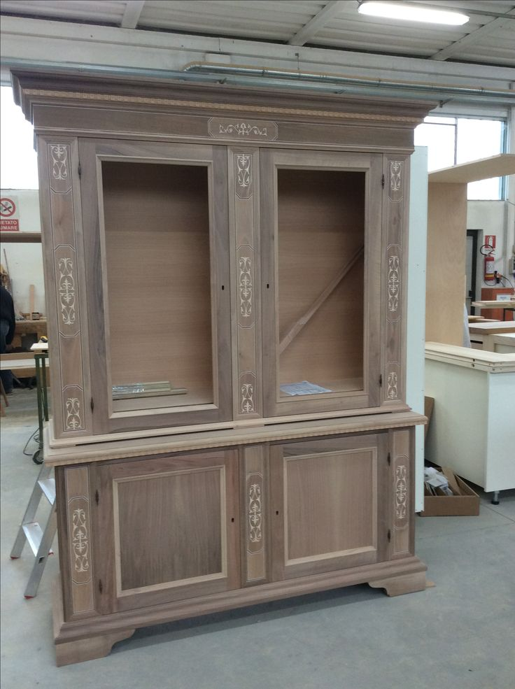 Furniture in solid wood Made in Italy