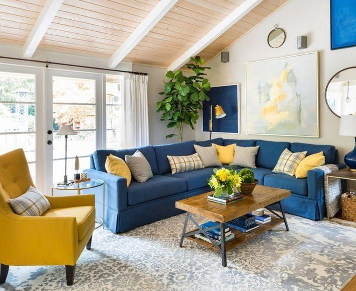 Bright Living Room Blue And Yellow Decor Blue Sectional Sofa Salon Lumineux Bleu Et Jaune C Bright Living Room Yellow Living Room Blue And Yellow Living Room