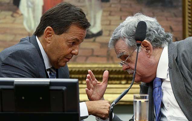 O deputado Sergio Zveiter (PMDB-RJ) frustrou a base governista e deu parecer favorável à denúncia contra o presidente Michel Temer nesta segunda-feira (10) na CCJ (Comissão de Constituição e Justiça) da Câmara.