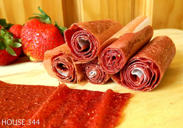 Strawberry Fruit Rollups (just strawberries and honey)Recipe But Sorting, House 344, Fruit Rolls Up, Rolls Ups Healthy, Fruit Rollups, Strawberries Fruit Leather, Recipe'S But Sorting, Homemade, Food Recipe