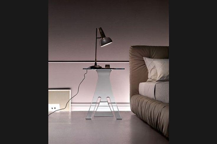 GlazenDesignTafel.nl | FIAM Design bijzettafel Grillo | by Vittorio Livi | Italian Design | vidre glastoepassingen, Leiden | vidre.nl