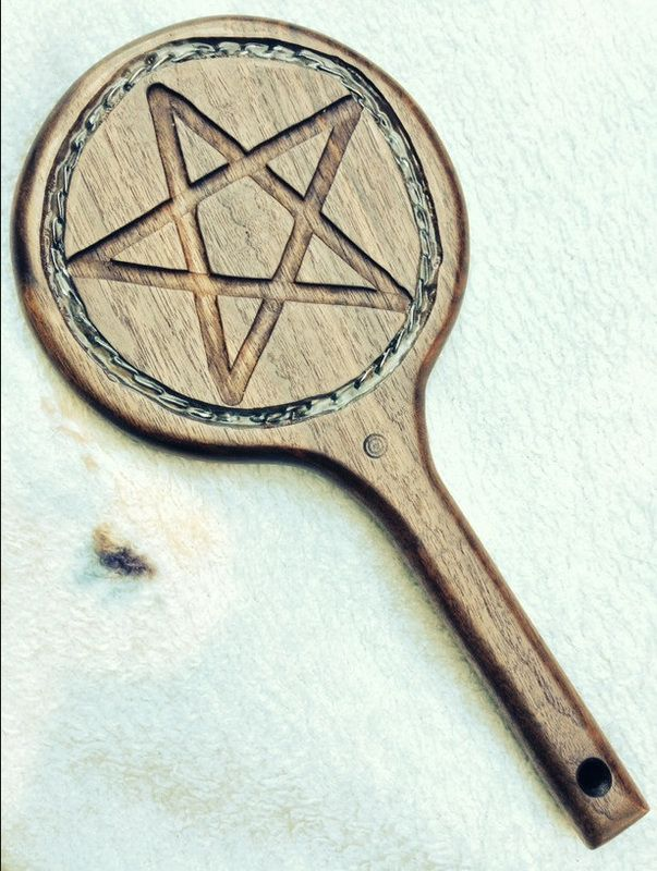 Walnut Pentacle with Chain Inset www.alexanderspaddles.com