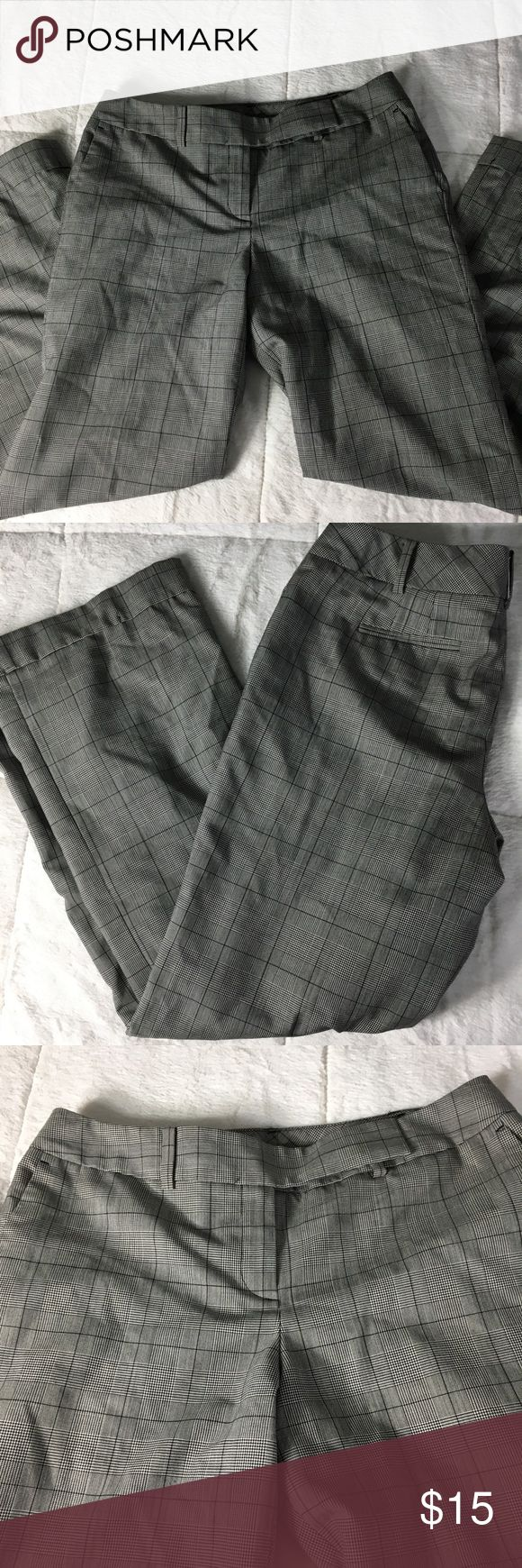 Ann Taylor Signature Fit B&W Plaid Cuffed Pant 10P Super smart career pants, black & white plaid- looks grayish from far away. Says it sits lower on waist. Wide, cuffed legs like traditional classy dress pants. 10 Petite, 10P Ann Taylor Pants Trousers