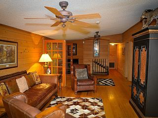 150 acres - Sleeps 50 - Skeet-Shooting, Go-Kart Track, Heated Pool - Free Golf!