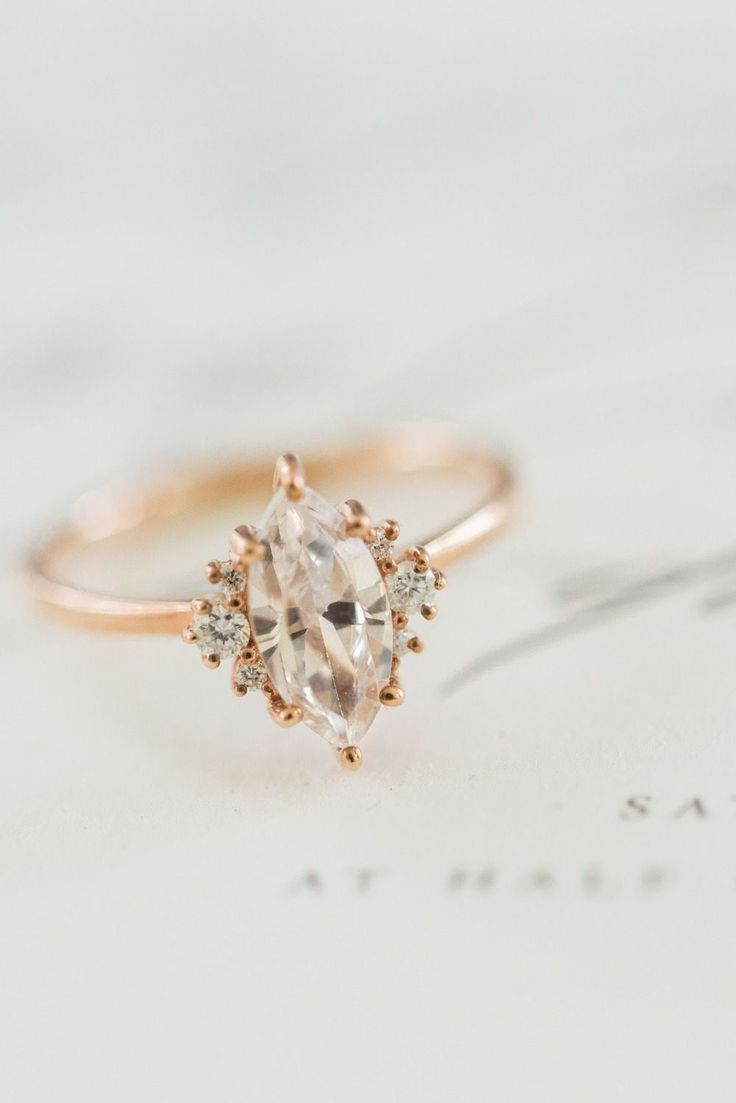 The Best Breathtaking Vintage Engagement Rings Collections (29)