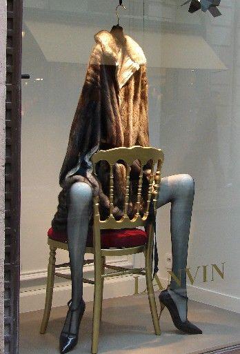 Lanvin , affichage de la fenêtre de Paris.