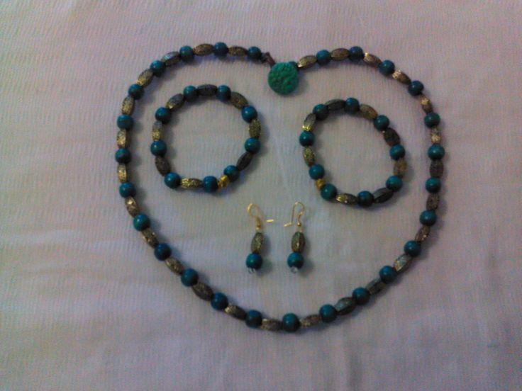 wooden beads necklace,earins, bracelets