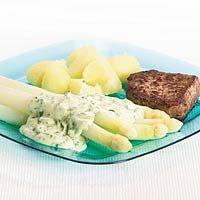Recept - Asperges met groene kruidensaus - Allerhande