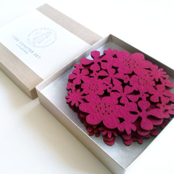 Felt Flower Coasters Set of 4  Fuschia por decoylab en Etsy